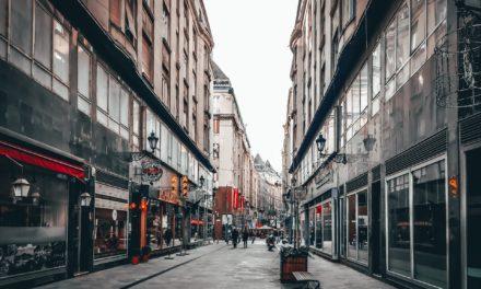 Drukker in straten, maar winkelbezoek nog niet terug op oude niveau